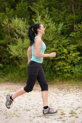7861791-runner-girl